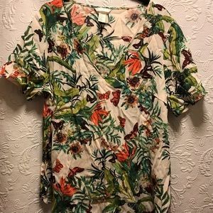H&M Short Sleeve Top size 10